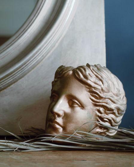 Кашпо Венера золотая