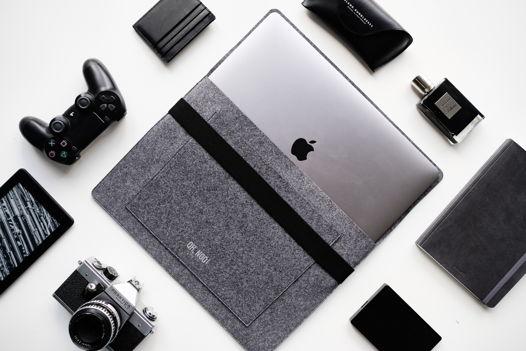 Чехол из фетра для MacBook и ноутбуков, серый, горизонтальный с крышкой