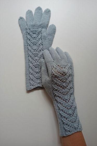 Морозно-голубые перчатки ручной работы