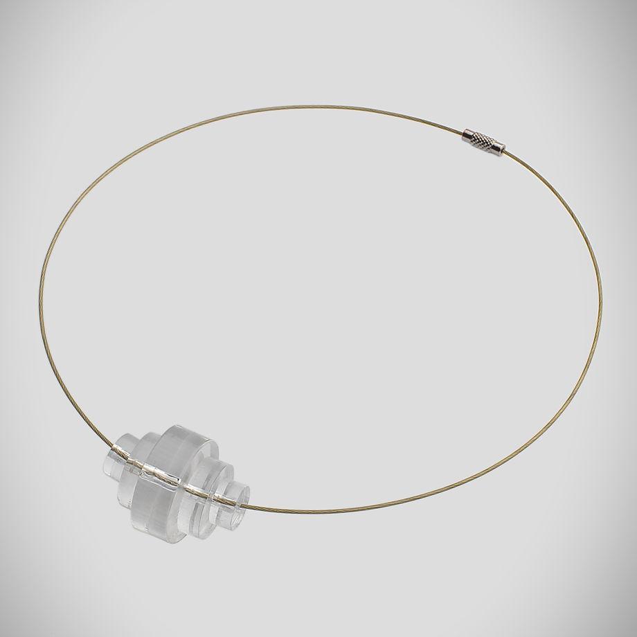 Минималистичное колье из прозрачного оргстекла (плексигласа)
