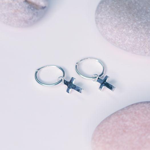 Серьги-кольца с подвеской крестик