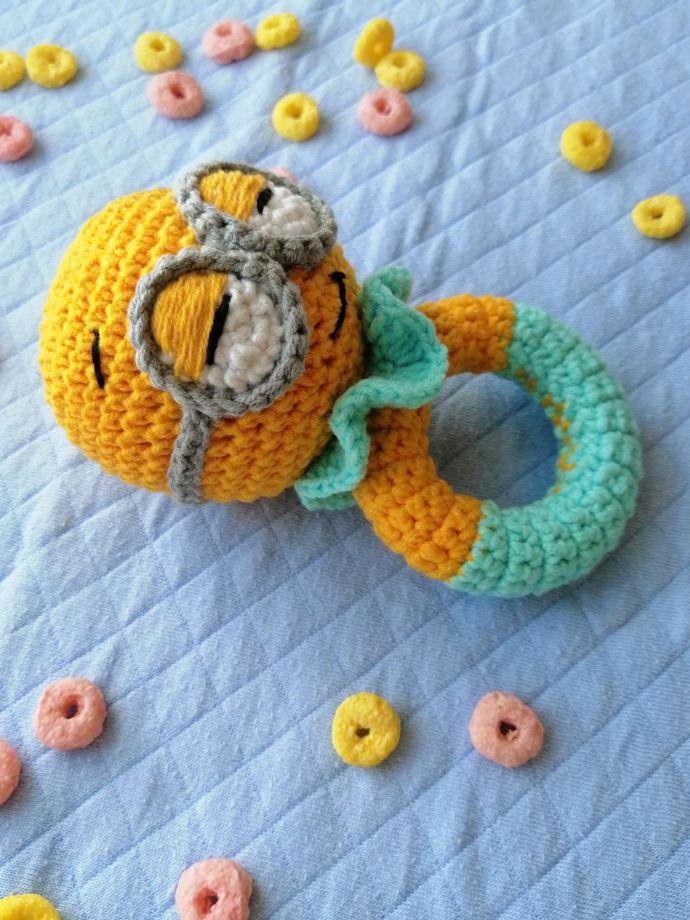 Погремушка-грызунок для новорождённых Миньончик