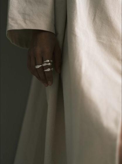 кольцо дутое симметричное