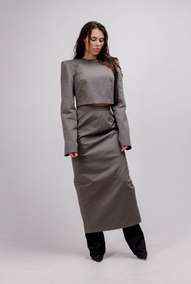 Топ с геометричным массивным плечом и юбка футляр YNT