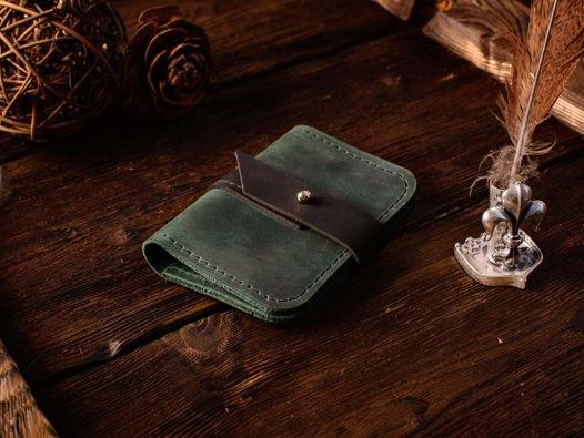 Картхолдер из кожи -TINY- мини кошелек для карт и наличности цвет Изумруд