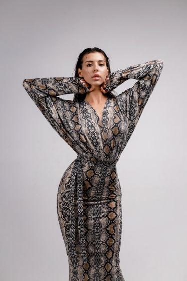 Платье с рукавами летучая мышь моделирующее YNT