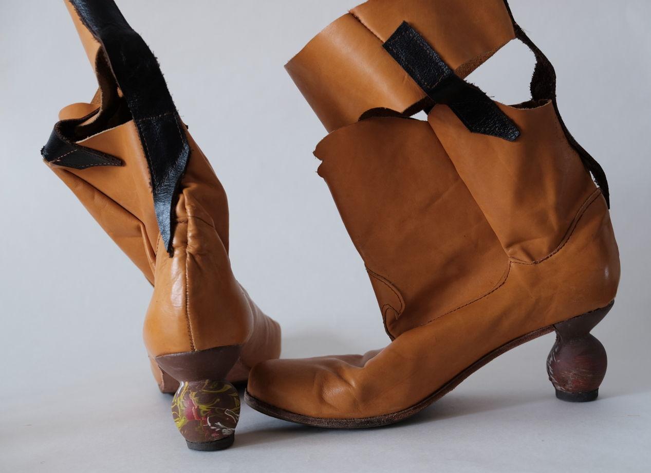 """Коричневые сапоги с динамическими каблуками """"Марс"""". Размер 40"""