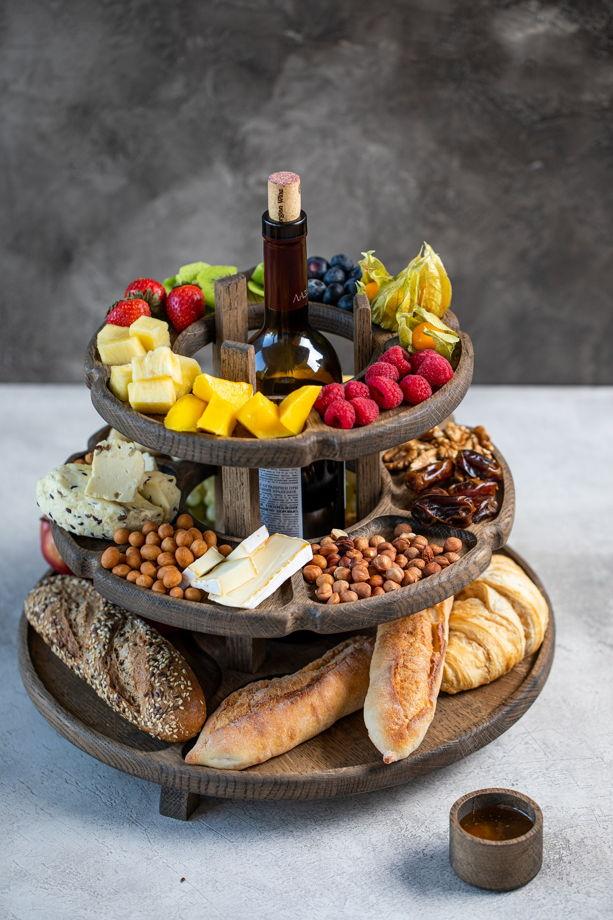 """Этажерка для сервировки закусками с местом для бутылки. Цвет """"темный орех"""""""