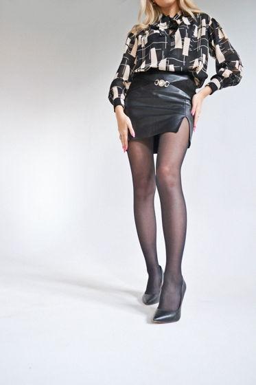 Кожаная мини юбка с разрезом