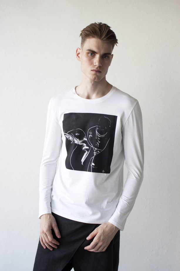 мужская футболка с длинным рукавом и принтом сапоги