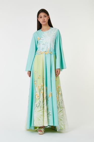 """Платье со шлейфом «Белый цветок» из коллекции """"Floreus"""" выполнено из итальянского льна (30%) с вискозой (70%)."""