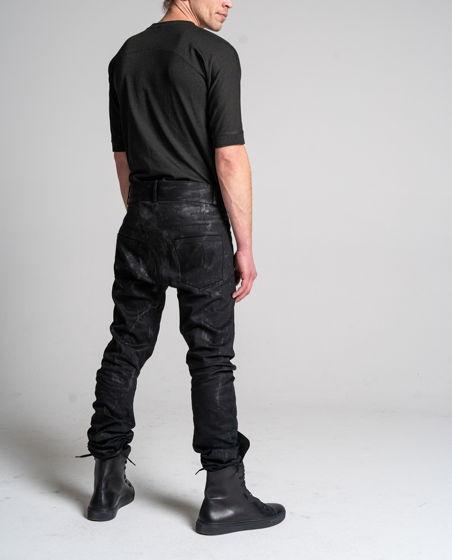 джинсы асимметричного кроя ручного масляного вощения с эффектом винила N13L