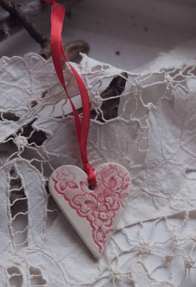 Сердце на ленте