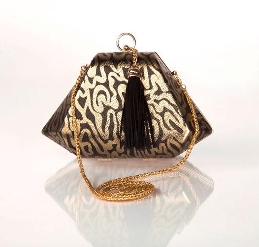 Клатч леопардовый черный с золотом с замшевой кисточкой