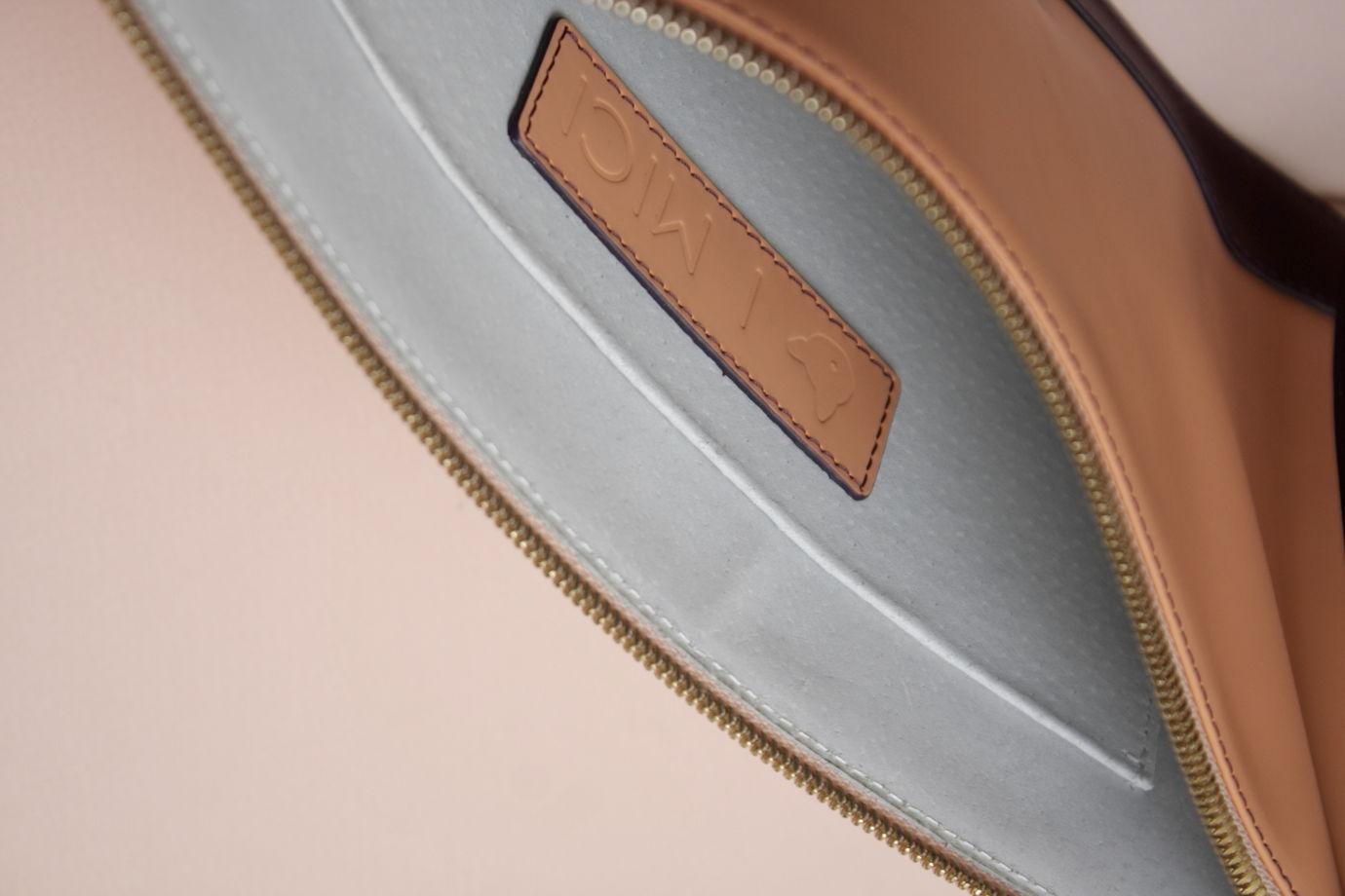Комбинированный клатч на ремешке