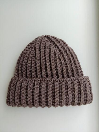 Зимняя шапка бини серо-коричневого цвета