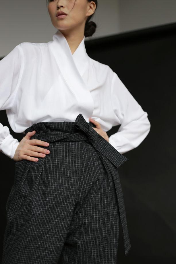 Белая блузка из нежной вискозы