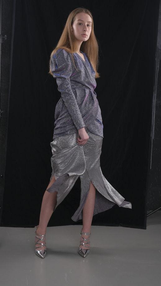 Блестящее асимметричное платье
