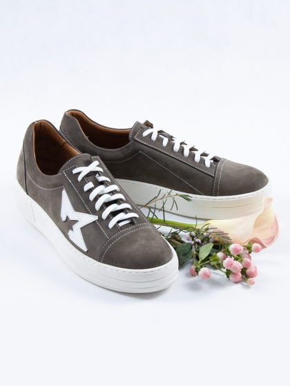 Кеды нубук, хаки со звездой/ Arcadia Shoes