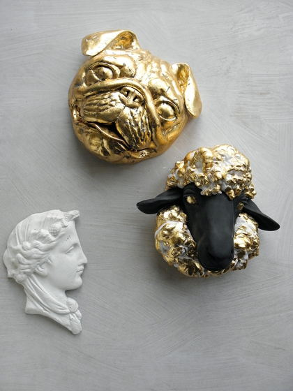 Гипсовые скульптуры в золотом цвете