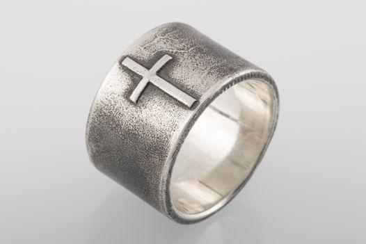 Серебряное кольцо с крестом X13