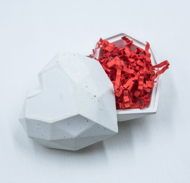 Шкатулка из бетона Сердце белая