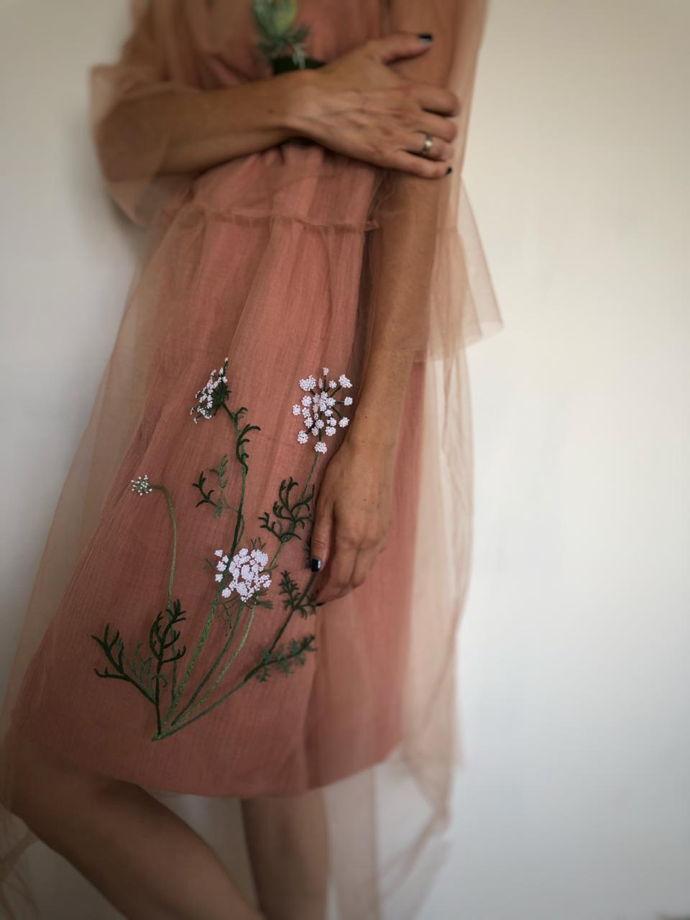 Платье «Не всё то болиголов, что им называется»