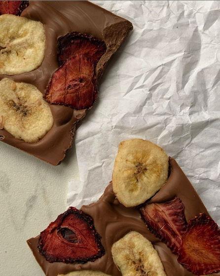 «Плитка» ручной работы без сахара с клубникой и бананом. Лимитированная серия.