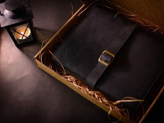 Блокнот-органайзер ручной работы с карманом на молнии -RESPECT- цвет Черный Уголь