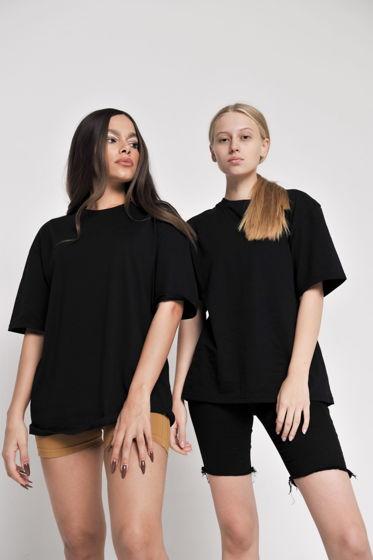 Черная оверсайз футболка