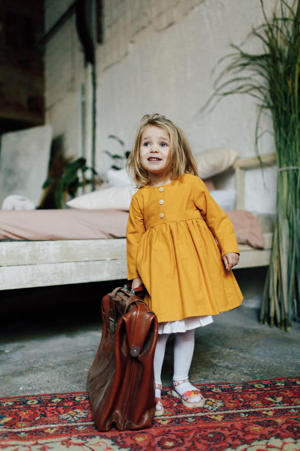 """Платье из теплого хлопка со съемным подъюбником в цвете """"горчица"""""""