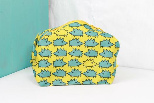 """Складная и вместительная косметичка FishCard """"Ежики желтые"""""""