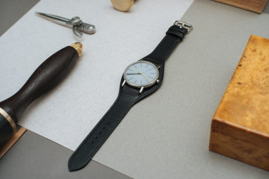 Черный ремешок для часов в стиле бунд