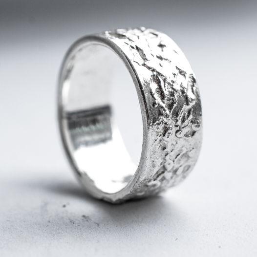 Крупные фактурные кольца