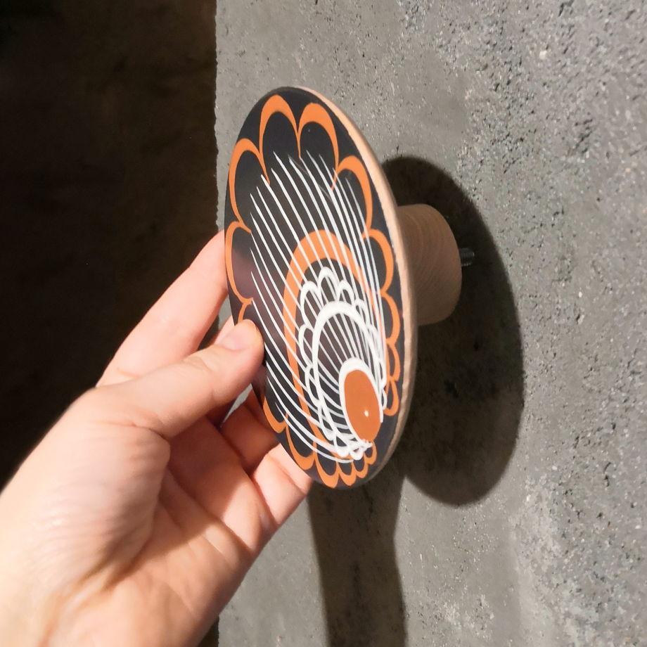 Настенная темно-серая вешалка-крючок ручной работы в ассортименте