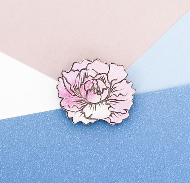 Деревянная брошь с гравировкой «Розовый пион». Большой цветок розового пиона.