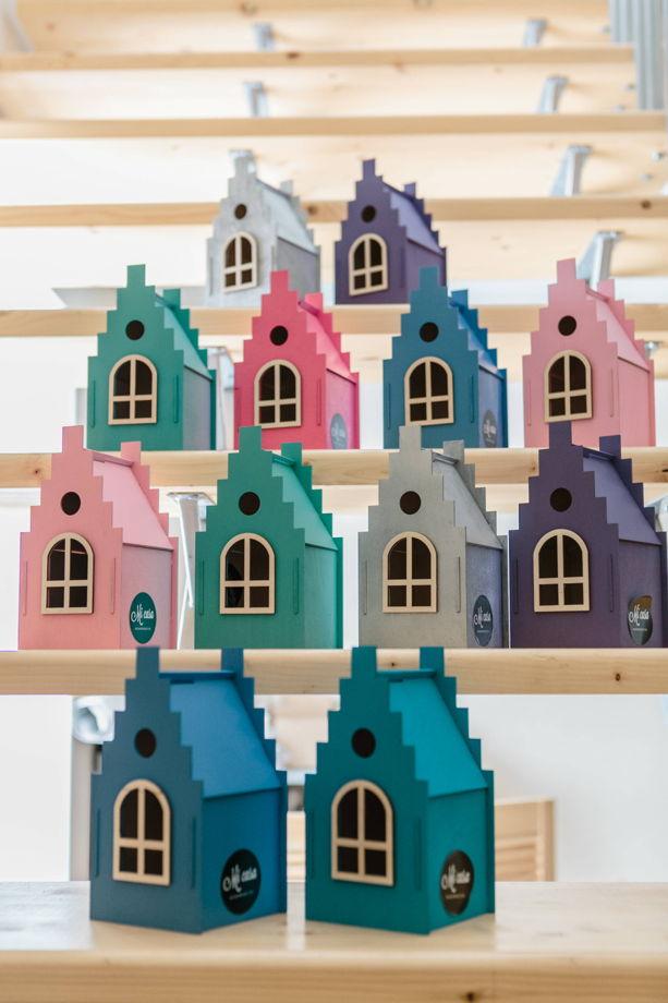 Декоративный игрушечный дом из дерева