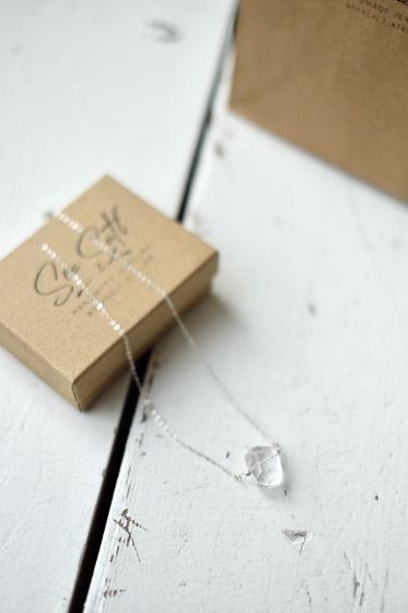 Цепочка из серебра с кристаллом горного хрусталя