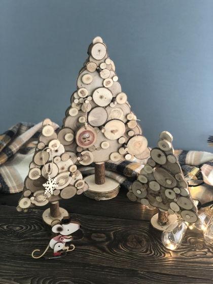 Настольная елка из срезов дерева малая