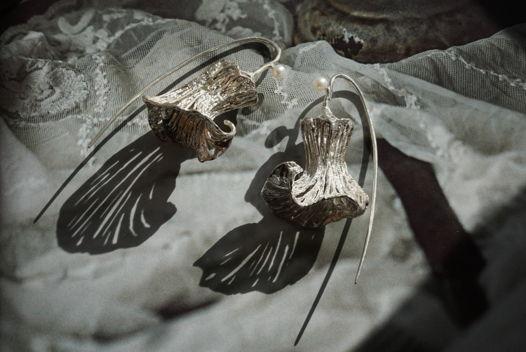 Серьги ручной работы из серебра с натуральным речным жемчугом