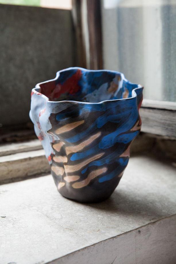 Керамическая ваза ручной лепки