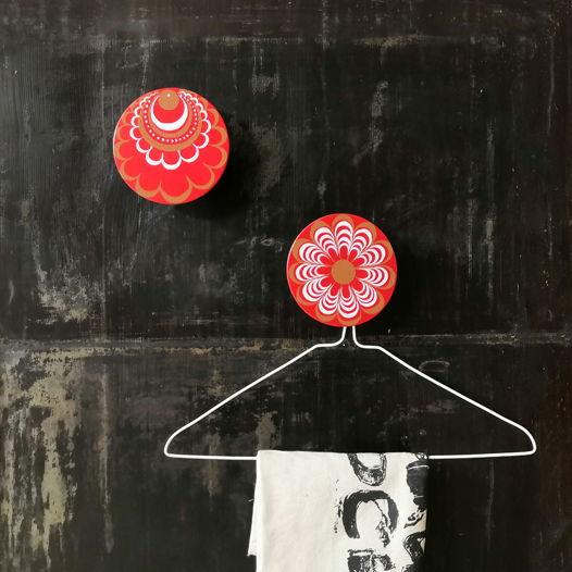Настенная красная вешалка-крючок ручной работы в ассортименте