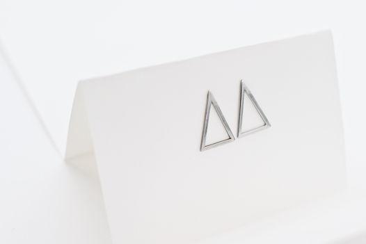 Серьги ТРИО треугольной формы