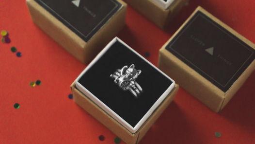 Кольцо с котом Maneki Neko в коробочке