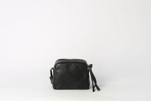 Вместительная кожаная сумка через плечо (Crossbody) с тремя секциями на молнии
