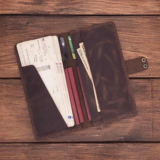 Тревел-холдер из натуральной кожи Краби на 3 паспорта- цвет тёмный шоколад