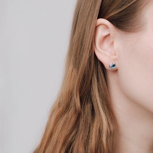 Пусеты с голубым топазом от марки Infanta Rings
