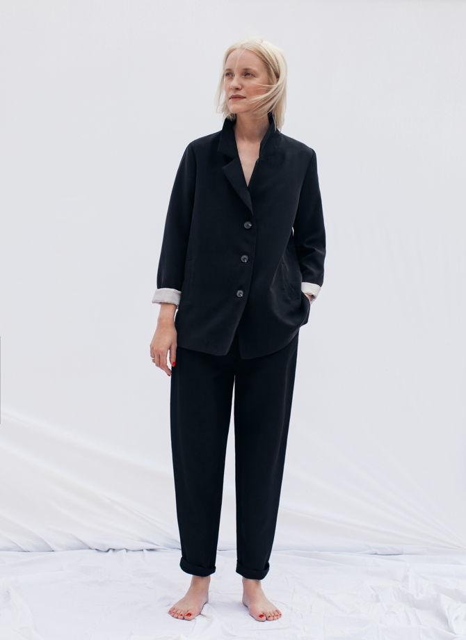 Жакет чёрного цвета из тенсела