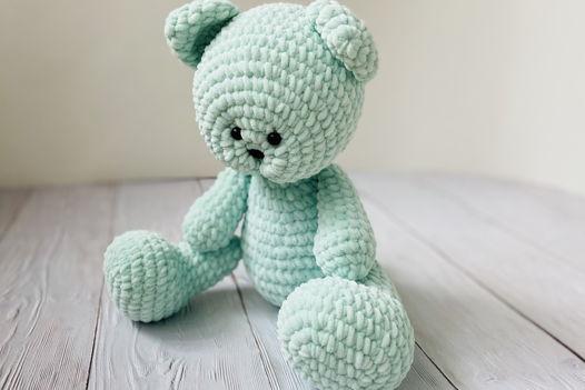 Вязаная игрушка медведь (мятный)