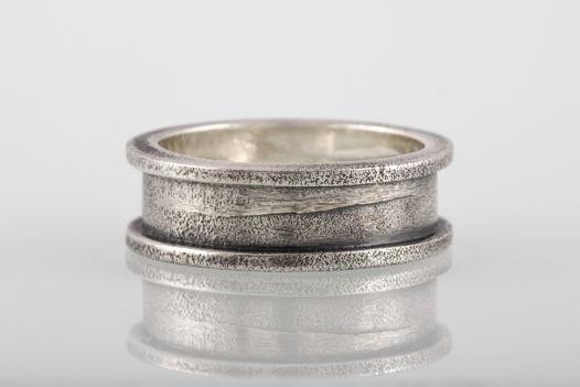Серебряное кольцо «Скоба», 7мм